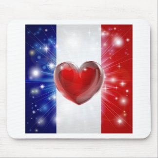 Fondo del corazón de la bandera de Francia del amo Tapetes De Ratones