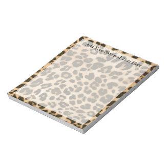 Fondo del estampado leopardo libretas para notas