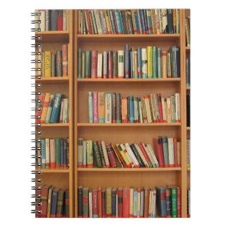 Fondo del estante libros de apuntes