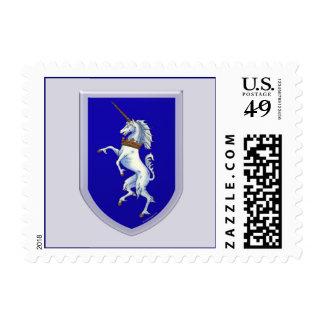 Fondo del gris del escudo del unicornio estampilla