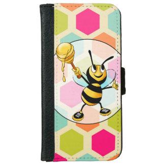 Fondo del hexágono con la abeja de la miel funda cartera para iPhone 6
