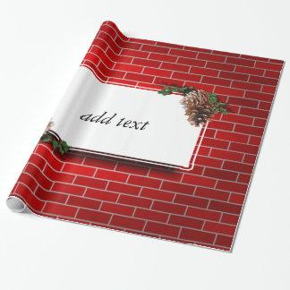 Fondo del ladrillo rojo con la etiqueta del regalo papel de regalo