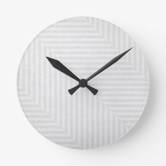 Fondo del papel de modelo rayado reloj redondo mediano