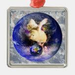Fondo del polluelo W/Earth de la tierra Ornamentos De Reyes Magos
