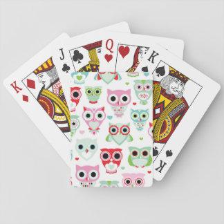 fondo en colores pastel del búho del color del barajas de cartas
