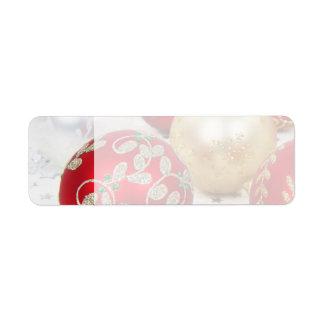 Fondo festivo de los ornamentos del navidad del dí etiqueta de remite