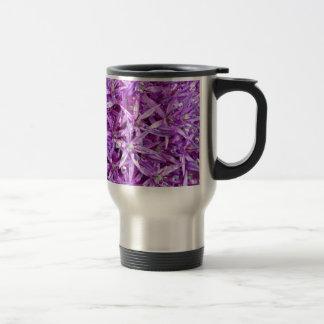 Fondo floral de la primavera púrpura taza de viaje