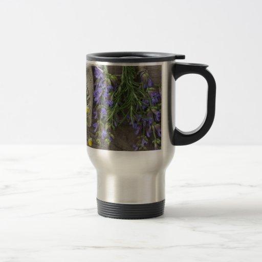 fondo herbario hermoso taza de viaje