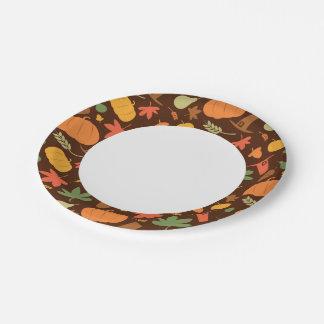Fondo inconsútil del otoño, día de la acción de platos de papel