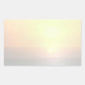 Fondo ligero del espacio en blanco de la sombra - pegatina rectangular
