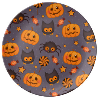Fondo lindo de la púrpura del modelo de Halloween Plato De Cerámica