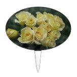 Fondo manchado ramo del rosa amarillo figura de tarta