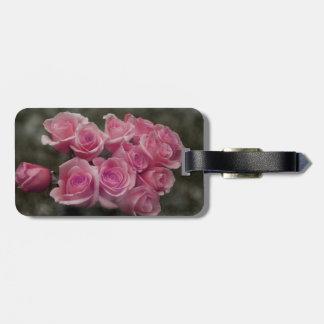 fondo manchado ramo subió colorized rosa etiquetas de equipaje