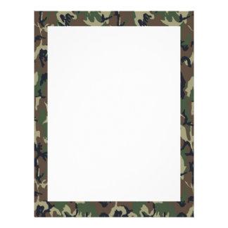 Fondo militar del camuflaje del bosque membrete a diseño