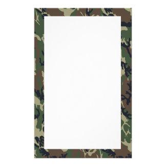 Fondo militar del camuflaje del bosque papeleria personalizada