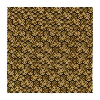 Fondo negro espiral triple del oro posavasos