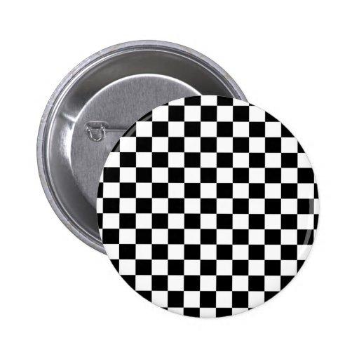 Fondo negro y blanco del tablero de damas pin redondo 5 cm