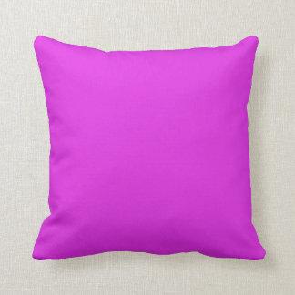 Fondo púrpura brillante violeta magenta del color cojín decorativo