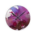 Fondo púrpura de la acuarela reloj