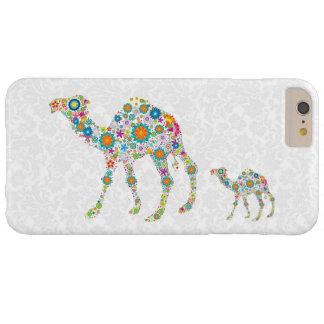 Fondo retro colorido del blanco del camello de las funda de iPhone 6 plus barely there