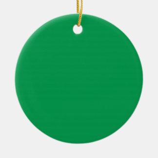 Fondo rojo y verde del Dos-Tono en un ornamento Adorno Navideño Redondo De Cerámica