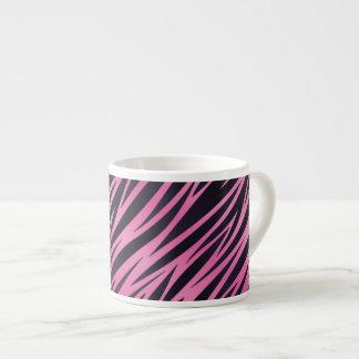 Fondo rosado de la raya de la cebra taza de espresso