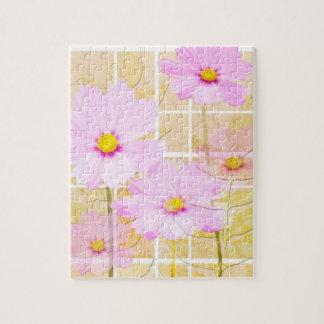 Fondo rosado del amarillo de la crema de la flor rompecabezas