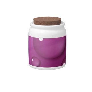 Fondo rosado del descenso del agua plato para caramelo