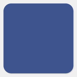 Fondo sólido azul marino del color de la tendencia pegatina cuadrada