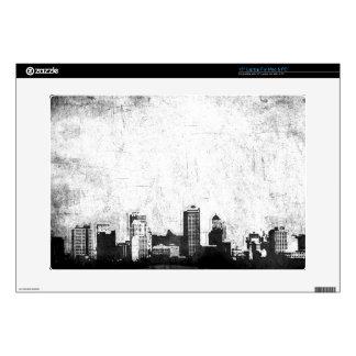 Fondo sucio de la ciudad en blanco y negro portátil calcomanía