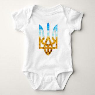 Fondo ucraniano del tryzub del trigo y del cielo body para bebé