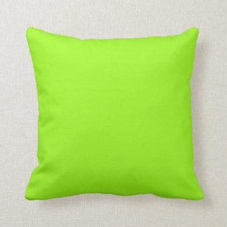 Fondo verde chartreuse en una almohada