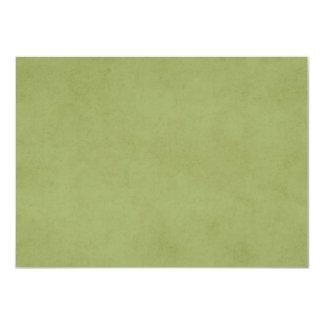 """Fondo verde oliva del pergamino del Libro Verde Invitación 4.5"""" X 6.25"""""""