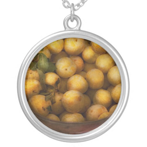 Food - Apples - Golden apples Round Pendant Necklace