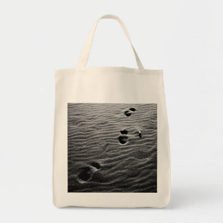 Footprints on the sand tote bag