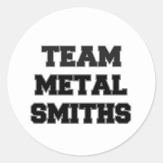 Forjadores del metal del equipo pegatina redonda