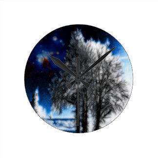 Forlorn Sovereign Round Clock