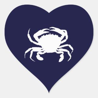 Forma azul marino y blanca del cangrejo pegatina en forma de corazón