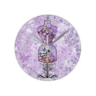 Forma púrpura Bokeh Bling del vestido de flores Reloj Redondo Mediano