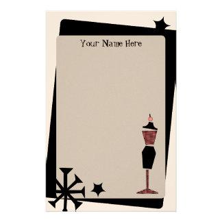 Forma retra del vestido del rosa y del negro del v papeleria de diseño