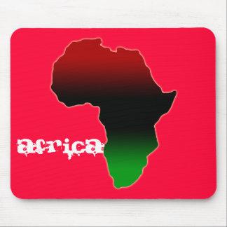 Forma roja, negra y verde de África Alfombrilla De Raton