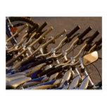 Formación de ciclo que monta en bicicleta del cicl tarjetas postales