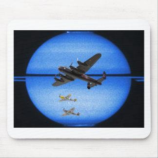 Formación de la luna azul del mustango B-24 Alfombrilla De Raton