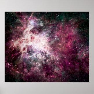 Formación de la nebulosa en espacio exterior póster