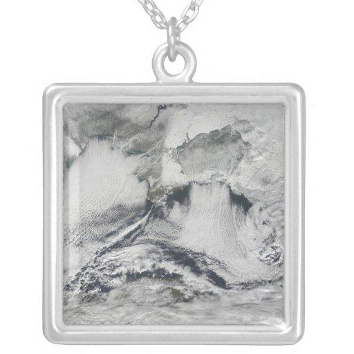 Formación de la nube sobre el Mar Negro Colgante Cuadrado