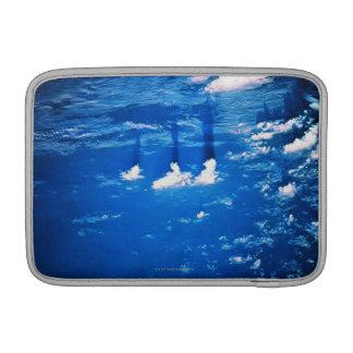 Formación de la nube sobre la tierra 2 funda para macbook air