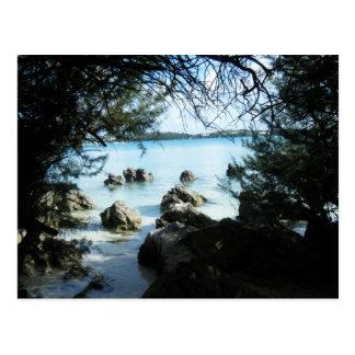 Formación de roca en la bahía de la gruta postales