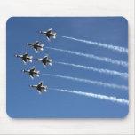 Formación del delta de los Thunderbirds F-16 Tapete De Raton