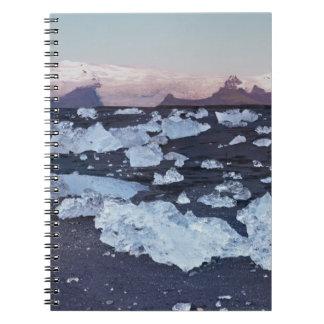 Formación del iceberg en la playa libro de apuntes con espiral