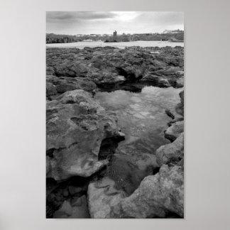 formaciones de roca con el castillo en blanco y ne posters
